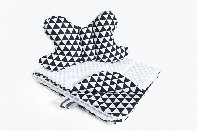 BABY NELLYS - 2-dílná Sada do kočárku s minky s motýlkem - trojúhelníčky, minky - černá/bílá