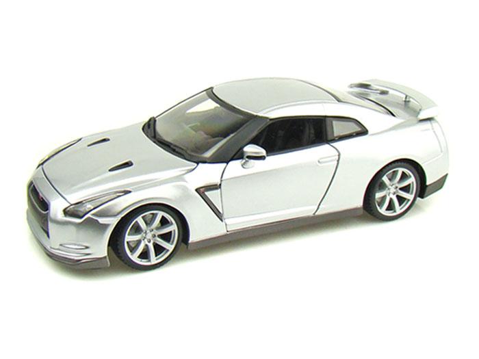 Bburago - Nissan GT-R 2009 1:18 Diamond