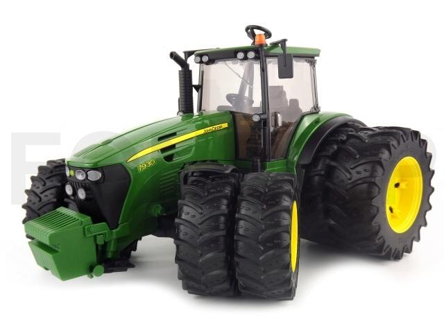 BRUDER - Traktor John Deere 7930 s dvojitými koly