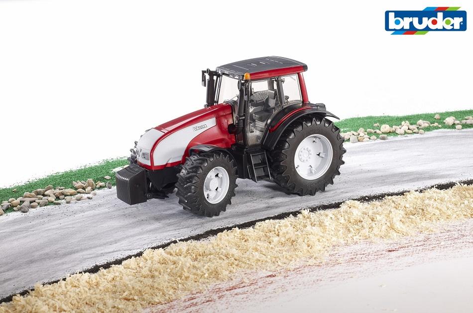 BRUDER - Traktor Valtra T191