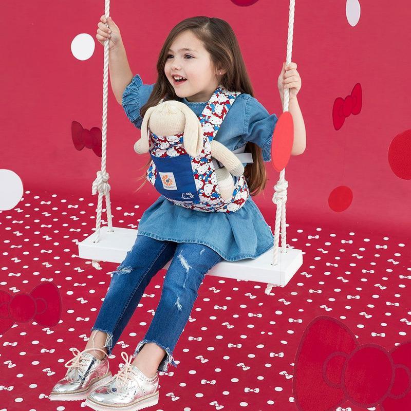 ERGOBABY - NOSÍTKO PRO PANENKY - Hello Kitty Classic
