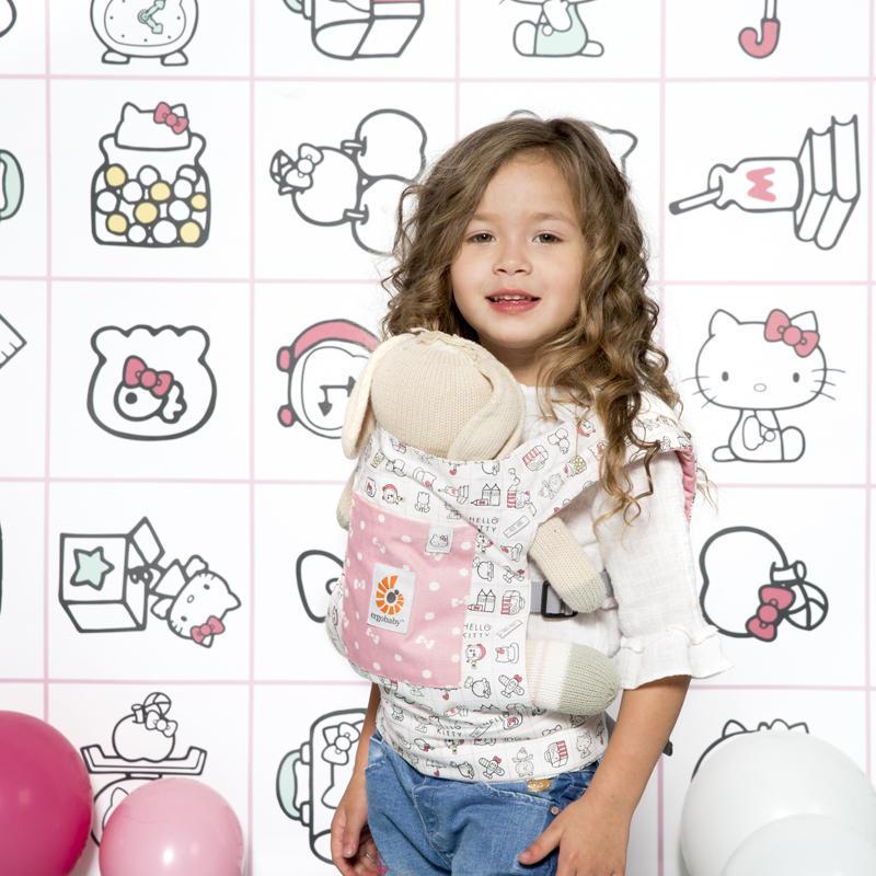 ERGOBABY - NOSÍTKO PRO PANENKY - Hello Kitty Play Time